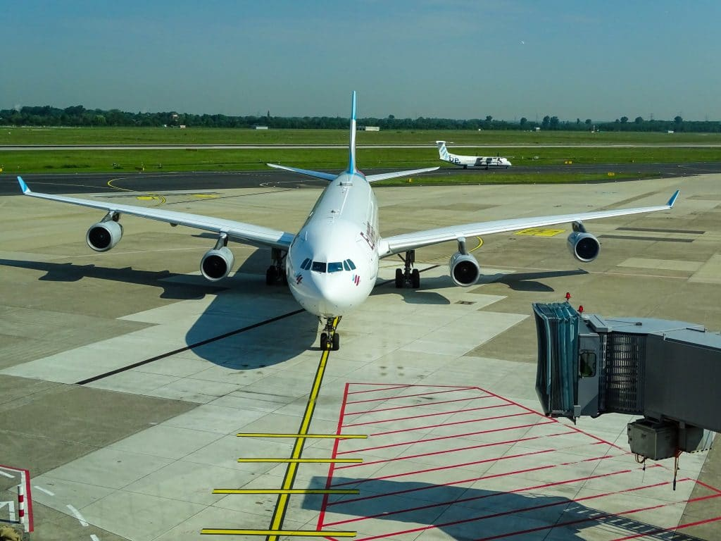 Reducing Emissions at Airside: Reflections from the Viewpoint of an Airport