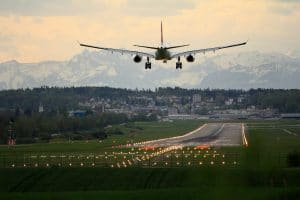 Airports: The missing Link between Aviation and its Decarbonisation